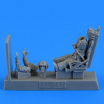 Aerobonus 480.237 - 1:48 Soviet Fighter Pilot with ejection seat for MiG-19Farme