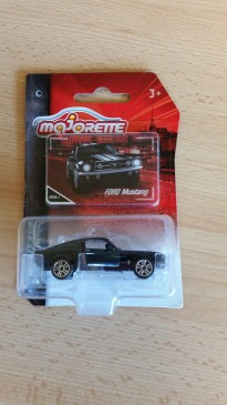 Majorette 212052010 - Vintage Cars - Ford Mustang - Schwarz / Weiss - Neu
