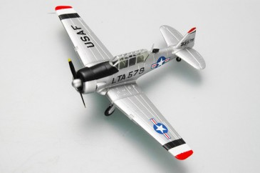 Easy Model 36319 - 1/72 Us T-6 - Korea 1953 - Neu